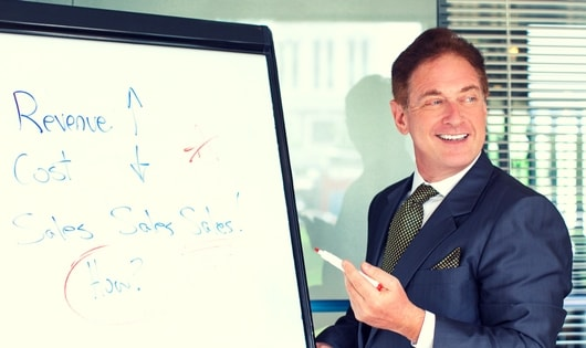 9 Tips for busy sales managers to increase sales using CRM.